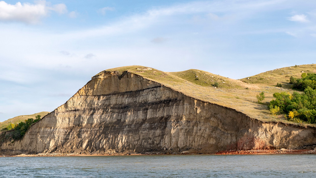Road trip to North Dakota - Lake Sakakawea rock formations