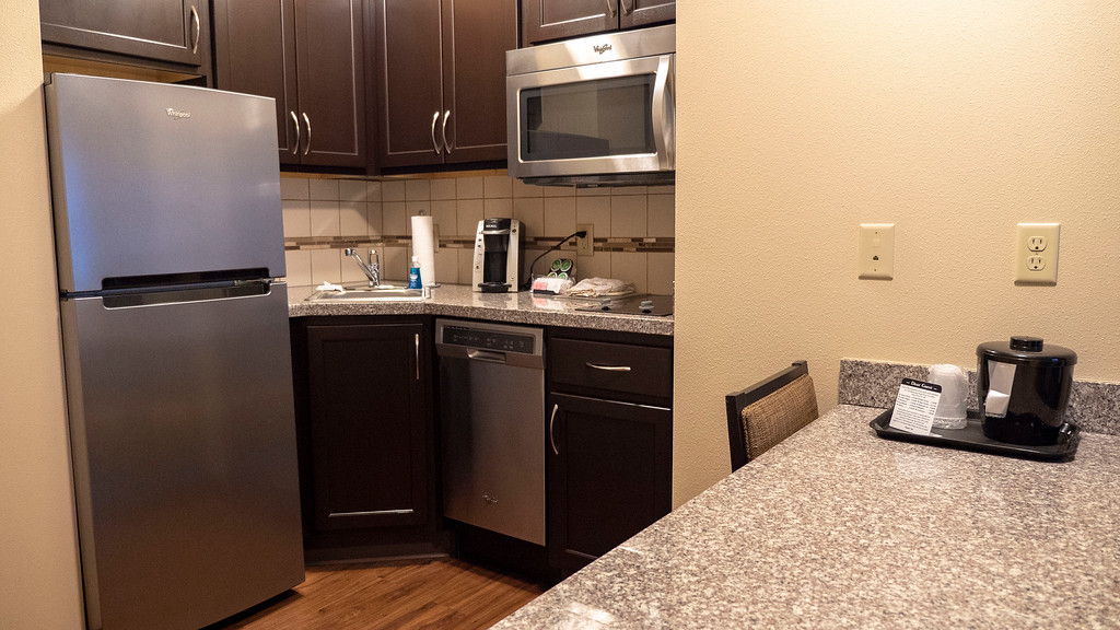 Hotels in Williston ND - Landmark Suites - Kitchen