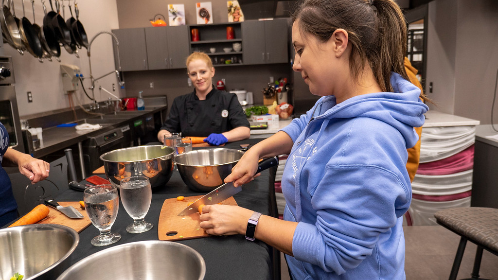 Cooking class at Cooks on Main - Things to do in North Dakota