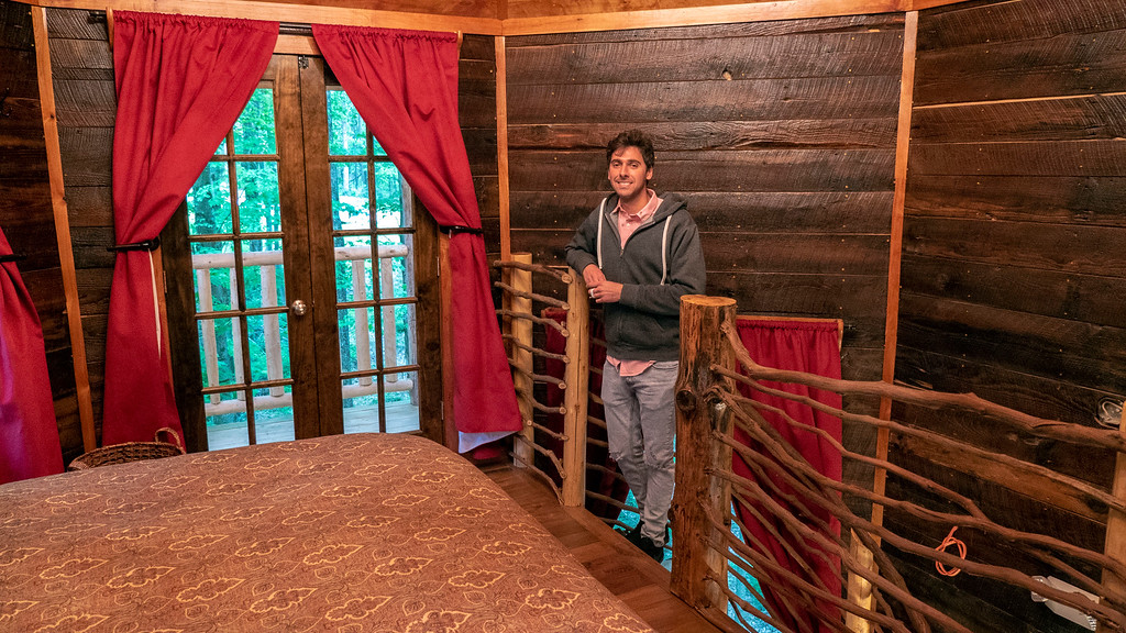 Bedroom of El Castillo treehouse in Ohio at The Mohicans