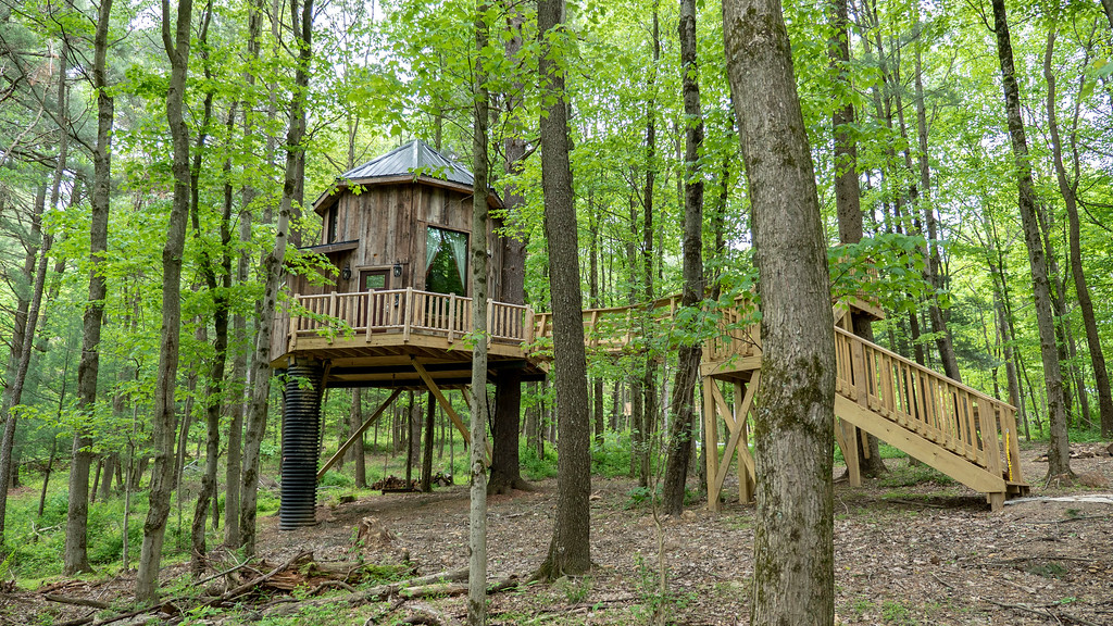 El Castillo treehouse at The Mohicans, Ohio
