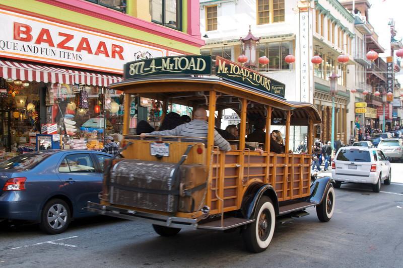 Tour bus on Grant Avenue