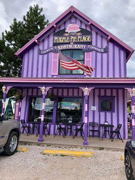 Mor Pasta Yeri - Custer Eyalet Parkı