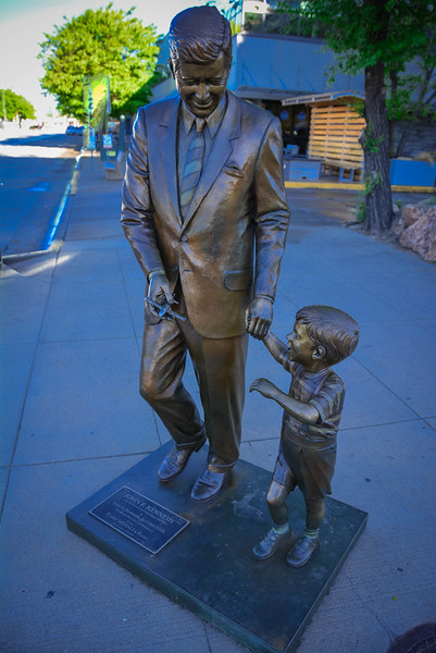 jfk statue in rapid city