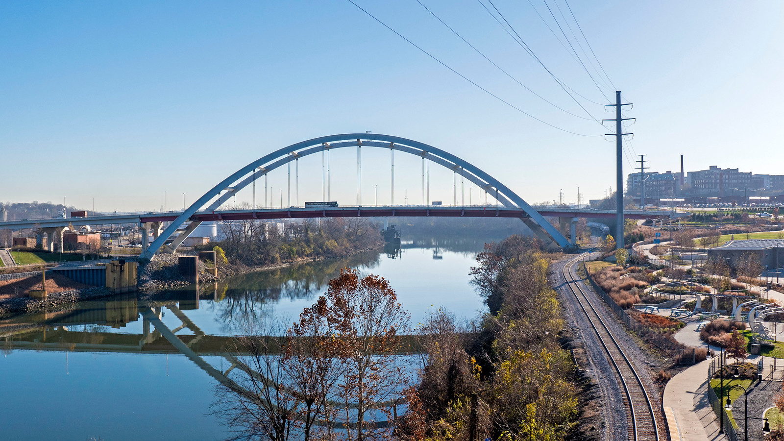 Downtown Nashville Attractions - John Seigenthaler Pedestrian Bridge to Cumberland Park