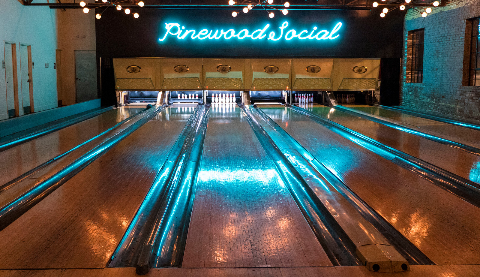 Pinewood Social bowling alley in Nashville TN