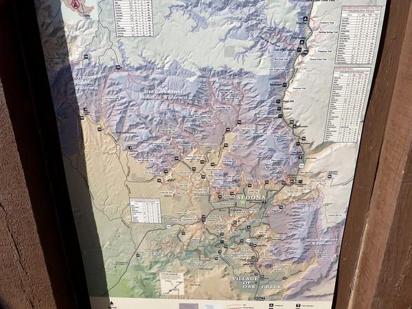 mardi 19 février D'apres la météo, dernier jour de beau temps avant la neige. On décide de monter par Brins Mesa, et de redescendre par Soldier Pass