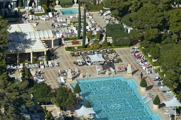 C'est la piscine du Bellagio, depuis notre chambre, à travers la vitre (un peu sale), avec le nouvel objectif