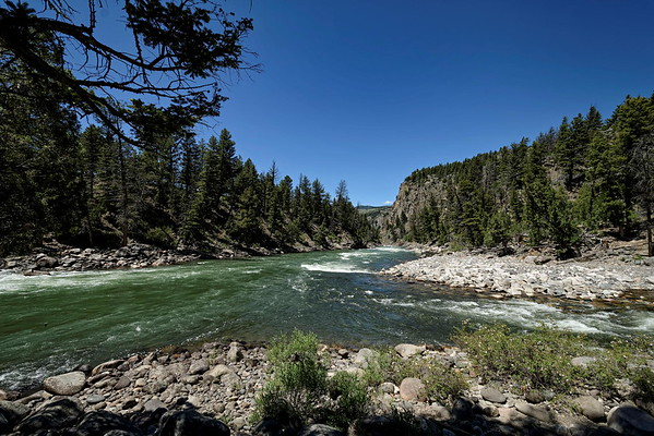 Yellowstone river à gauche, Hellroaring à droite
