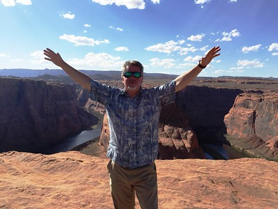 some hiked to the Horseshoe Bend Overlook