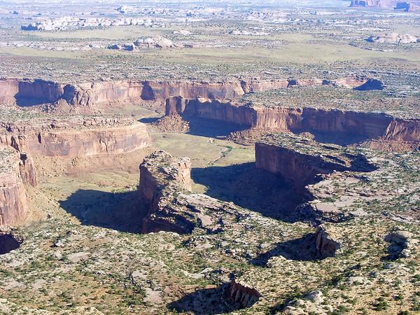 Nous passons au dessus de Hellroaring canyon