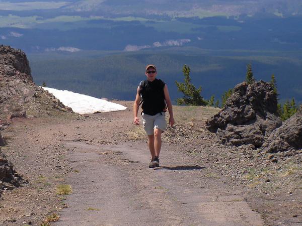 Encore un passage enneigé, on est  pourtant début juin, mais Christian est presque au sommet