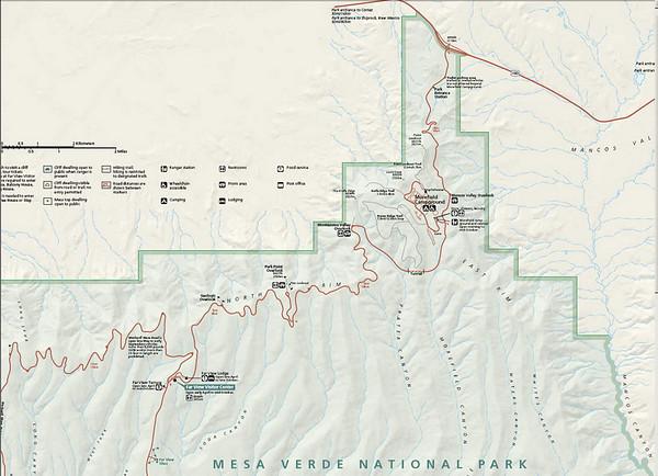 Nous sommes à Montezuma Valley Overlook, à 2500m d'altitude. Un petit vent frisquet...mais la vue à 180° est somptueuse
