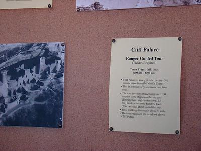 les renseignements sur Cliff Palace. Nous sommes inscrits pour le dernier tour, celui de 16h00