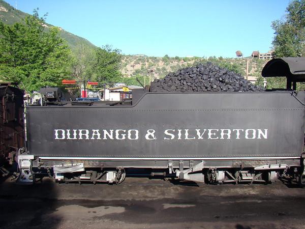 Le train va de Durango à Silverton ( c'est écrit dessus, comme le Port Salut!)