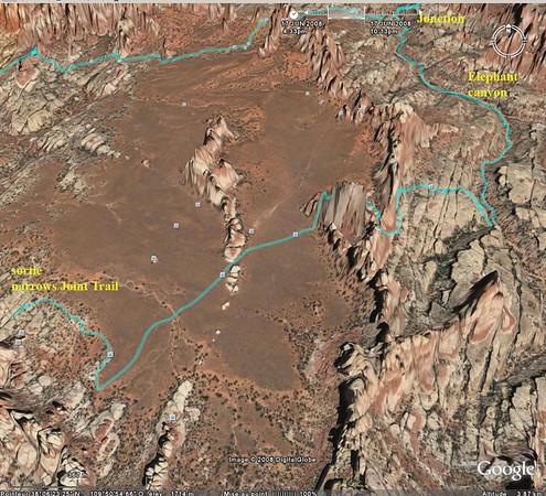 sur google earth, le trajet depuis la sortie de Narrows jusqu'à Elephant canyon, on voit bien la traversée du désert (Chesler park!)