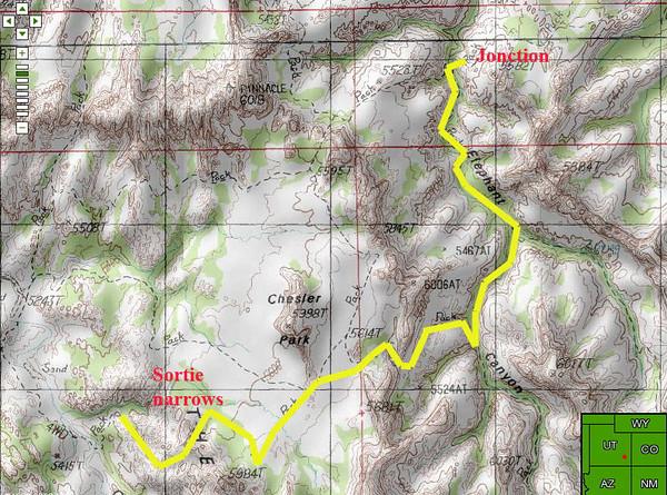 sur la carte topo, notre cheminement jusqu'à Elephant canyon ( fond de wash à plat)puis la jonction avec le trajet de ce matin