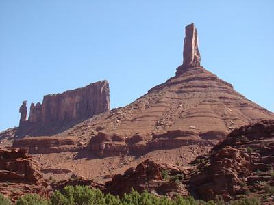 Castle Rock, et au fond, Priest and Nuns
