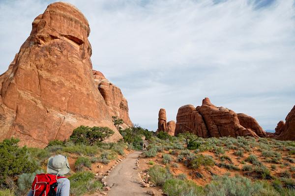 Jusqu'à Landscape Arch, le trail est aménagé même pour fauteuil roulant