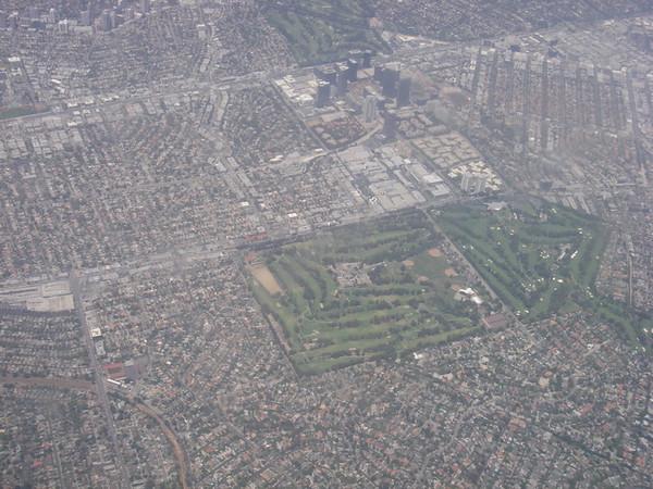 survol d'un golf de LA..... plutôt carré!