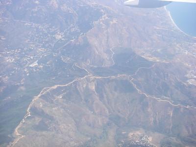Avant d'atterrir à Los Angeles, l'avion survole Malibu...