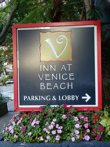 Nous quittons notre hôtel , mais avant de partir de Venice, nous voulons aller faire un tour sur la plage