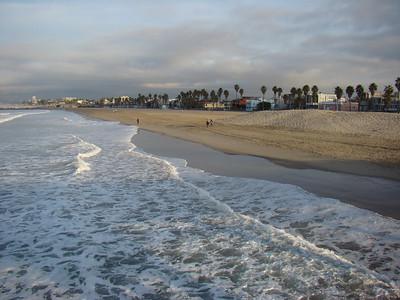 La lumière du lever du soleil est magnifique sur Venice Beach