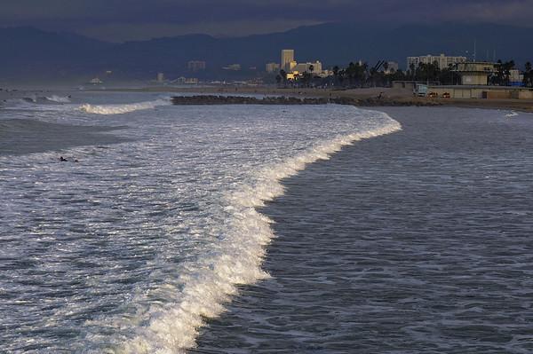 Lever de soleil sur Venice Beach, en direction de Santa Monica