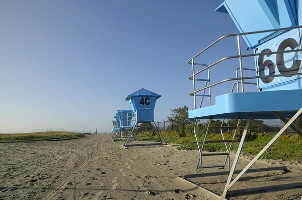 A droite de la plage, le golf,de la base militaire, mais au bout de la piste des avions ( on ne peut pas tout avoir!!)