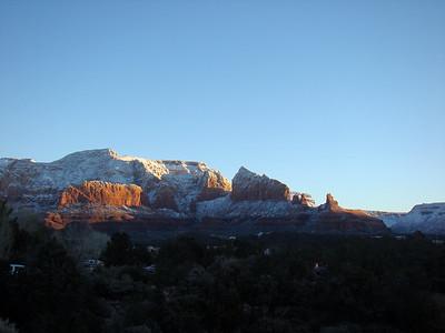 ENFIN!!! La météo pour aujourd'hui est excellente. Des le lever du soleil, nous voulons partir randonner vers Red Rocks state park