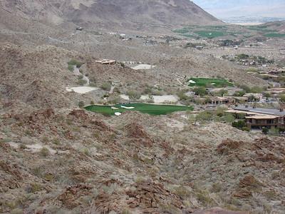 Au bord du désert, que des golfs et des lotissements. Il y a 100 golfs dans le secteur!