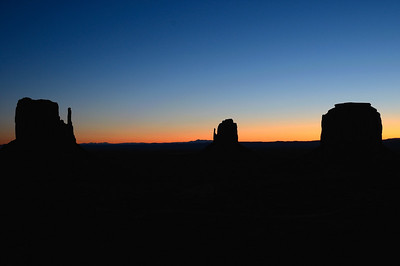 Dimanche23 janvier Le grand interet de notre chambre, c'est de photographier le lever du soleil depuis le balcon…Nous ne nous en privons pas !!!