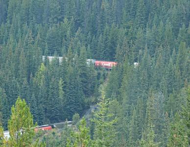 le tunnel en spirale, c'est le même train que l'on voie trois fois