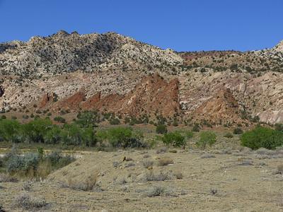 Nous partons ce matin pour Red Rock, un rocher rouge vif au dessus de la Paria River