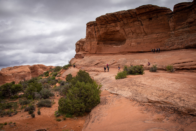 delicate arch hiking