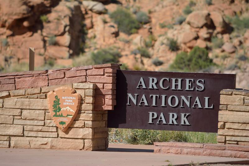 arches national park entrance