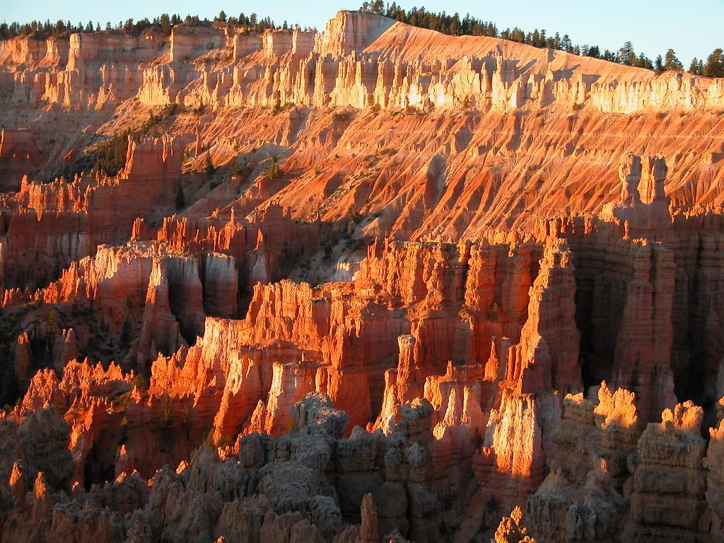 Sunrise over Bryce Canyon National Park - Utah
