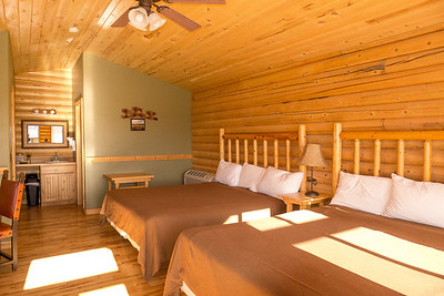 Zion Mountain Ranch: Interior of our cabin