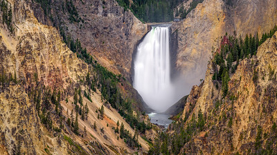 Lower Falls seen from Artist Point, Yellowstone NP, Wyoming