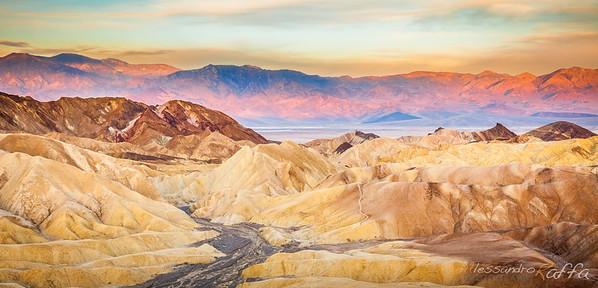 Sunrise @Zabriskie Point (Death Valley)
