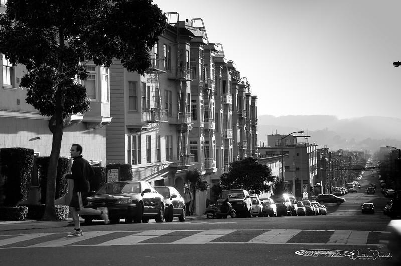San Francisco CA, running in the Chestnut street