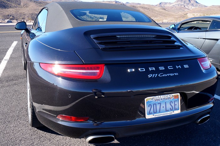 Driving luxury cars in Las Vegas - the Porsche 911 Carrera