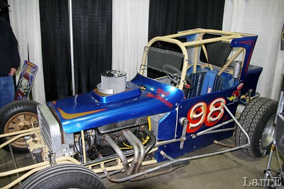 an old sprint car...like I used to drive...oh the memories