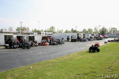 pit area full of midgets..40 of them!