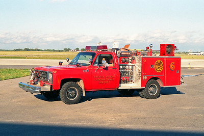 GREATER BUFFALO NIAGRA AIRPORT   ENGINE 5  1980  CHEVY K30 SIERRA 4X4 - PIERCE   7590350-80F
