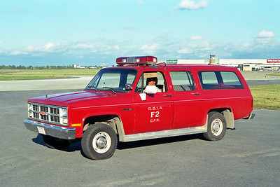 GREATER BUFFALO NIAGRA AIRPORT  CAR F2  GMC SUBURBAN 4X4