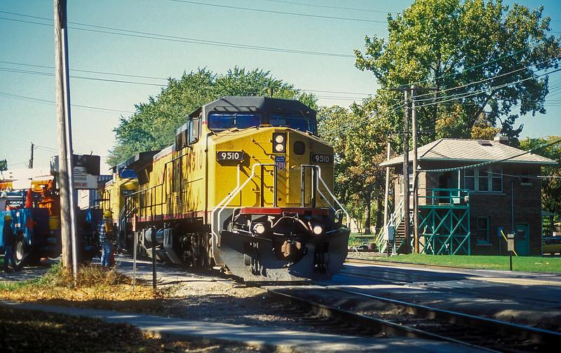 UP 9510 + 9438 West Chicago 12 October 1994