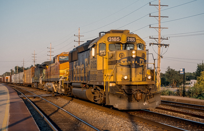 BNSF 3185 + 4738 + 4060 Belmont 30 July 1998