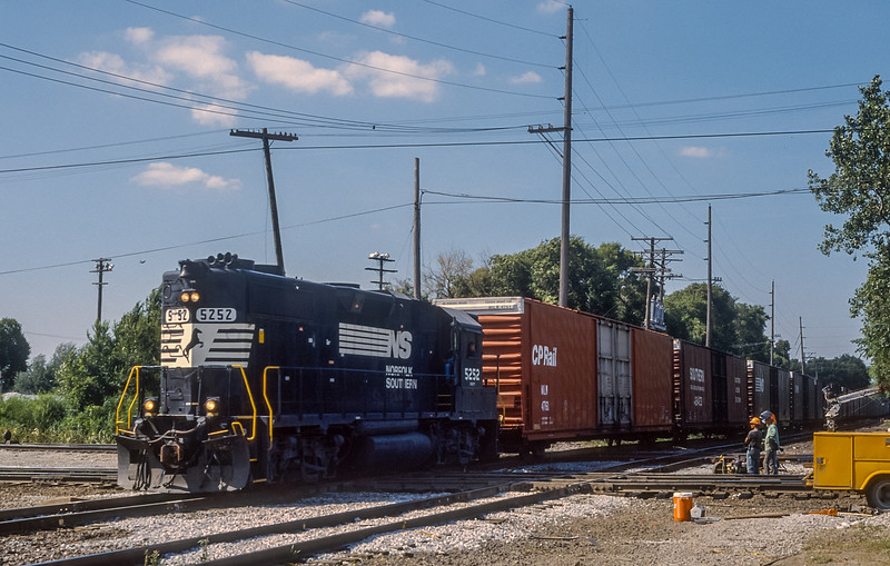 NS 5252 Dolton 28 July 1998