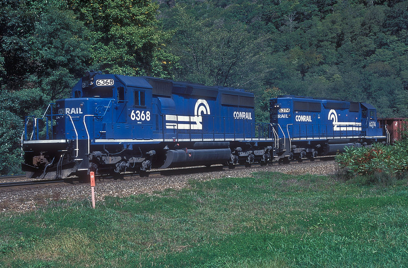 CR helper set of SD40-2 6368 and 6374 are at Horseshoe Curve on 30 September 1994